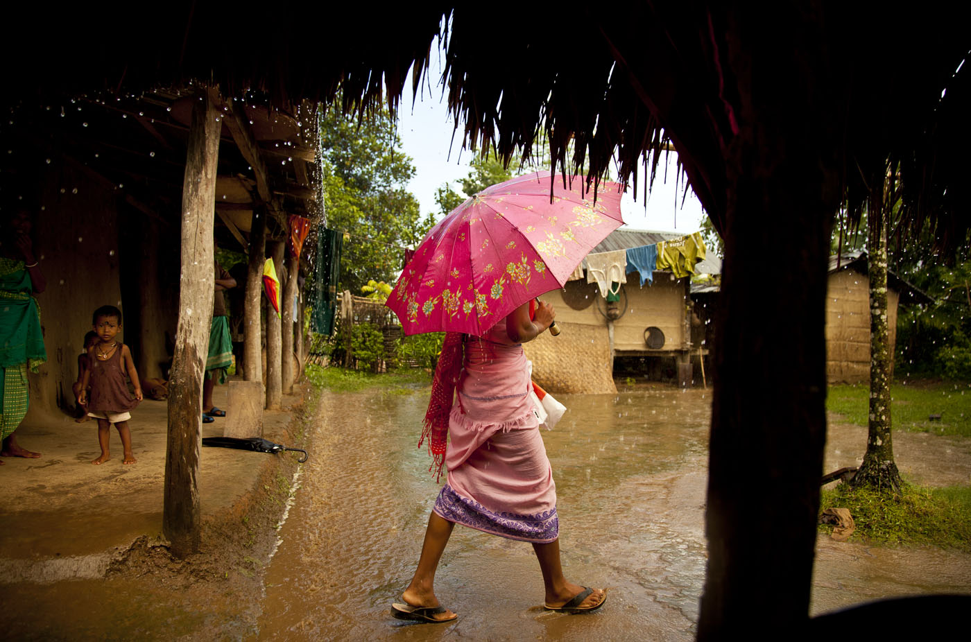 Bodo-Lady_Umbrella_Kadur_1305